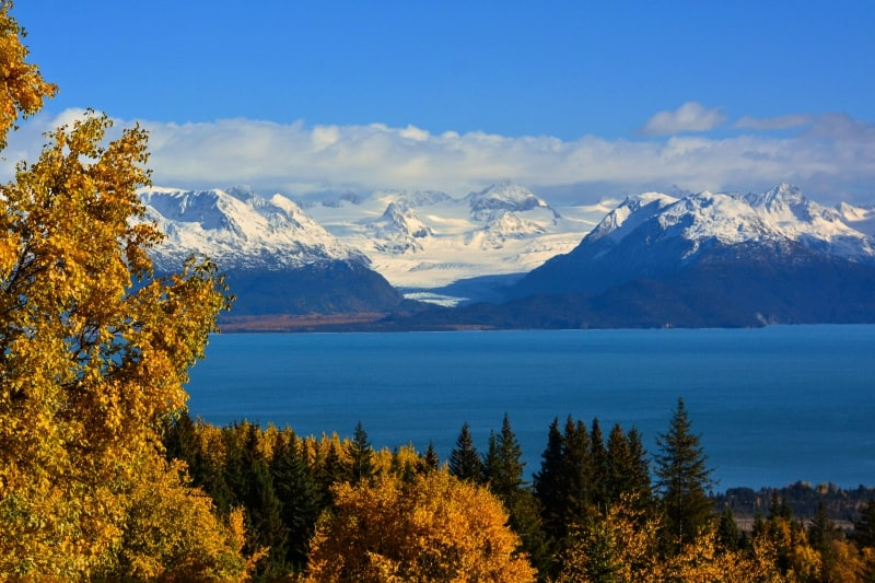 Mountain range and body of water in Homer, AK